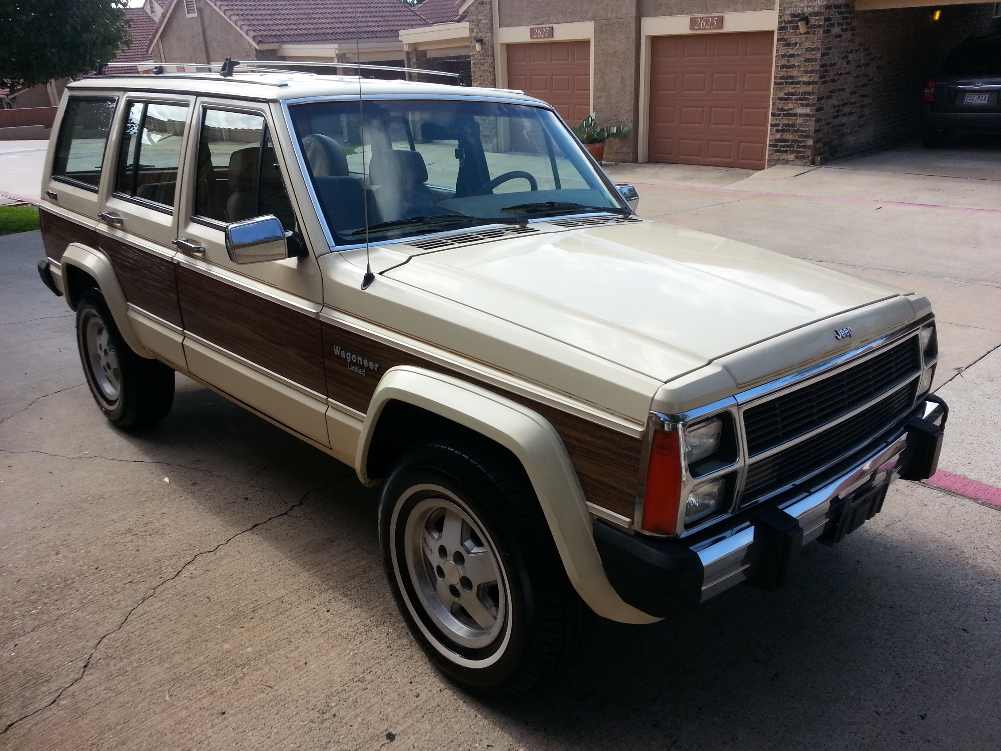 Xj Day Outtake Jeep Wagoneer Limited The Woody Cherokee Just Won T Ignite Curbside Classic