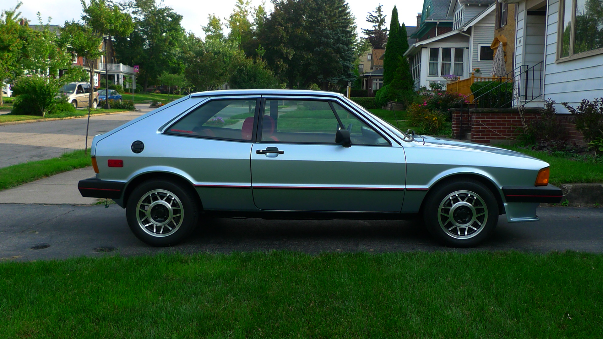 curbside classic vw scirocco mk1 irreplicable although vw keeps trying. Black Bedroom Furniture Sets. Home Design Ideas