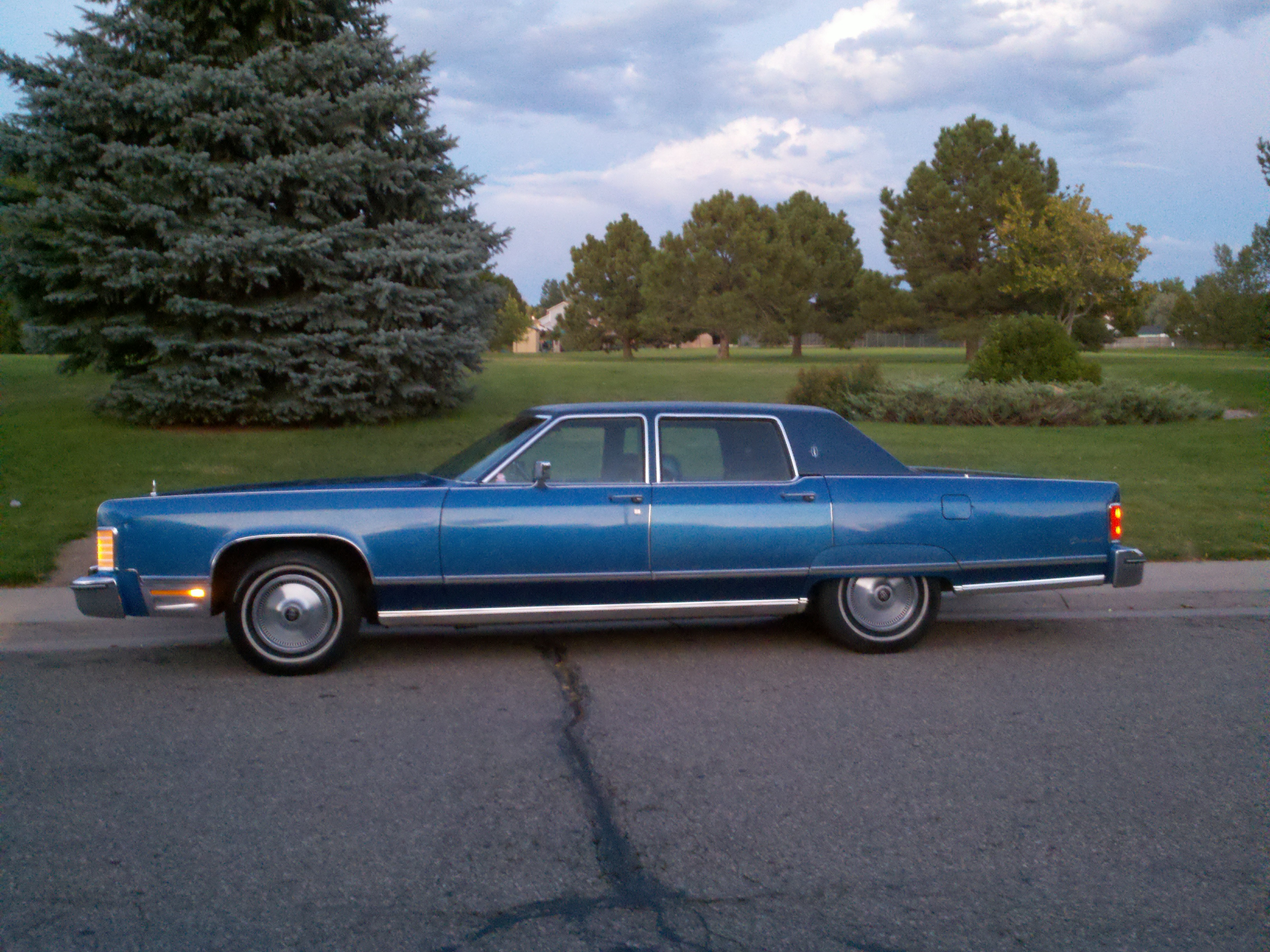 1975 Lincoln Town Car Curbside Classic 1997 Executive Series