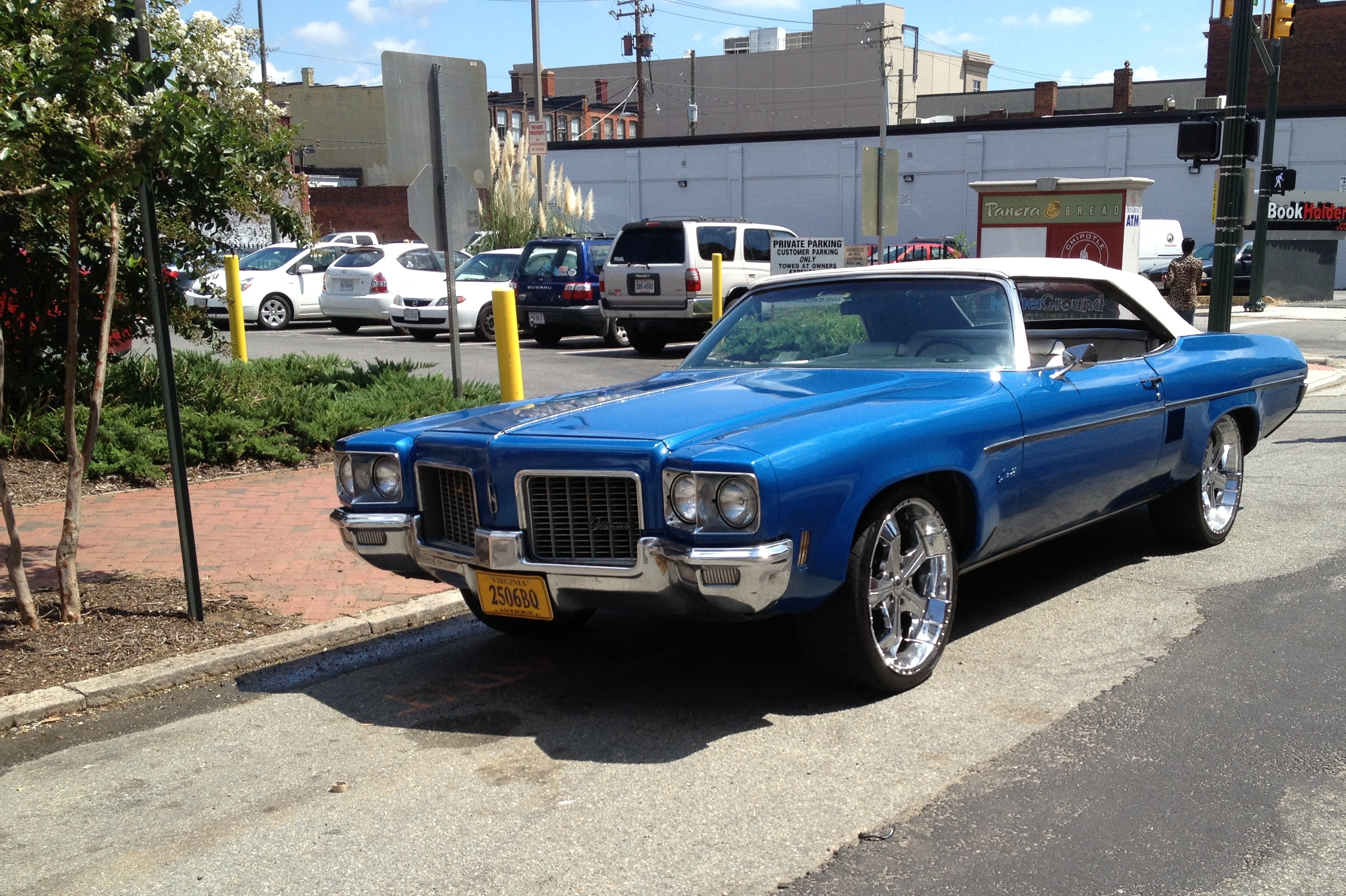 In Motion Outtake: 1975 Oldsmobile Delta 88 Royale Convertible ...