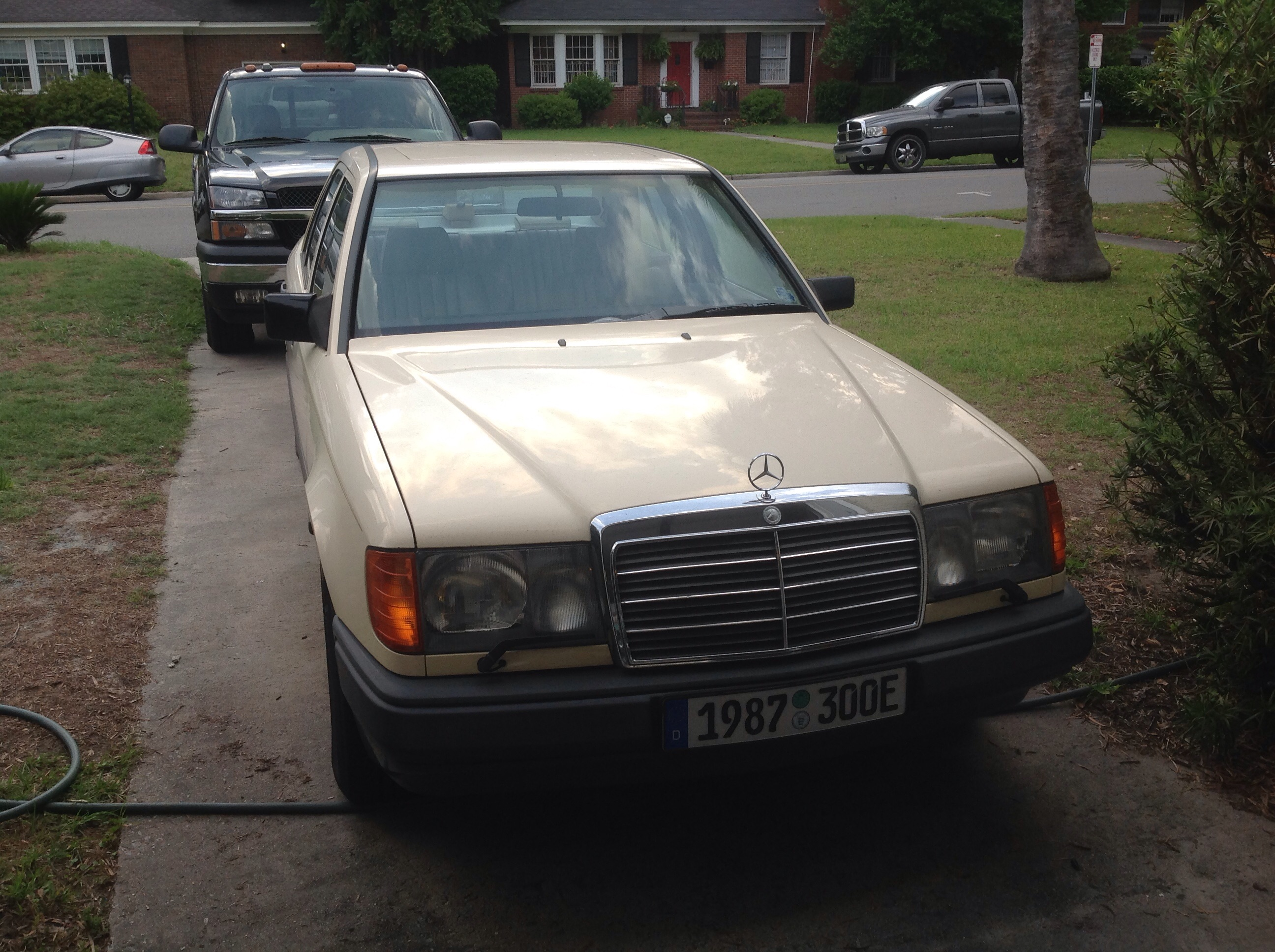 Curbside Capsule Mercedes W124 E Class Das Beste Oder Nicht Wiring Harness Replacement Extremely Satisfying And Fun To Work On If Not They Are Totally Frustrating I Have Had My 1987 Model For Eight Years Still Savor Every Minute