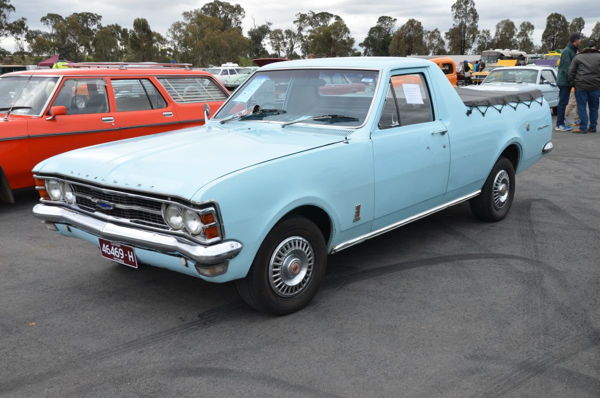 Curbside Classic: Holden Statesman DeVille (HZ) – If We Can\'t Export ...