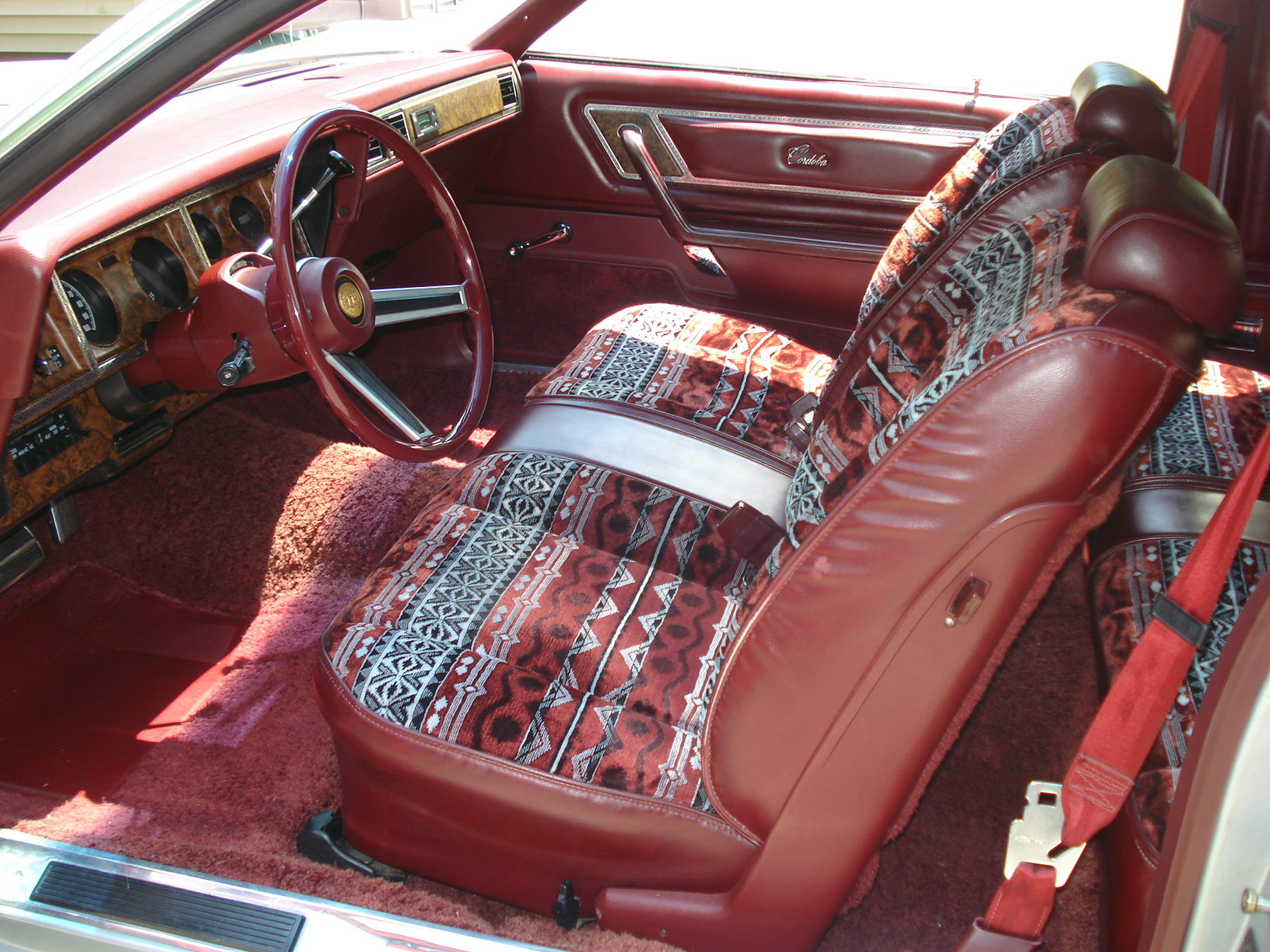 In motion classic 1981 chrysler cordoba ls all dressed for Seat cordoba interior