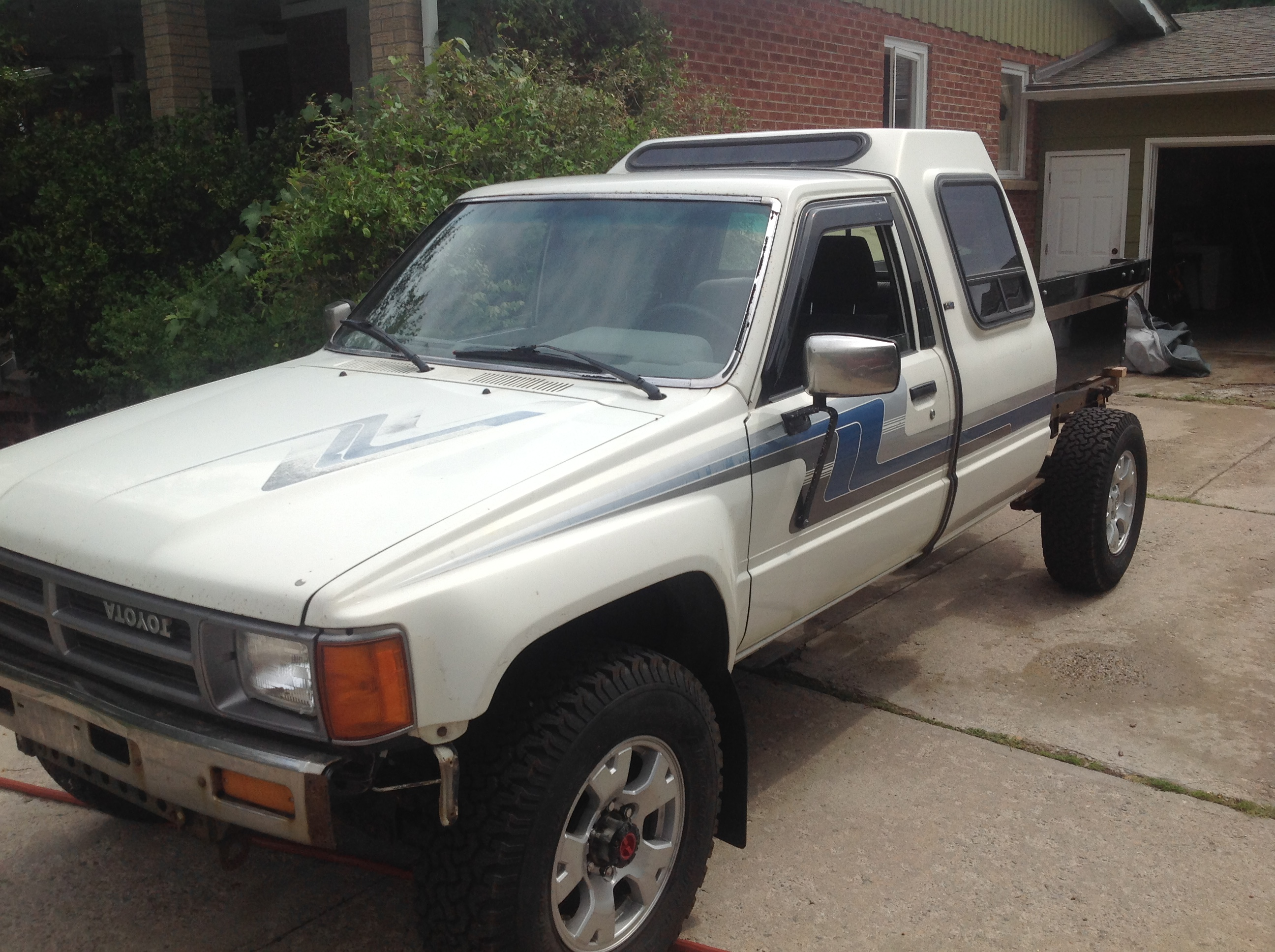 Curbside Classic 1986 Toyota Turbo Pickup – Get Tough Get Turbo