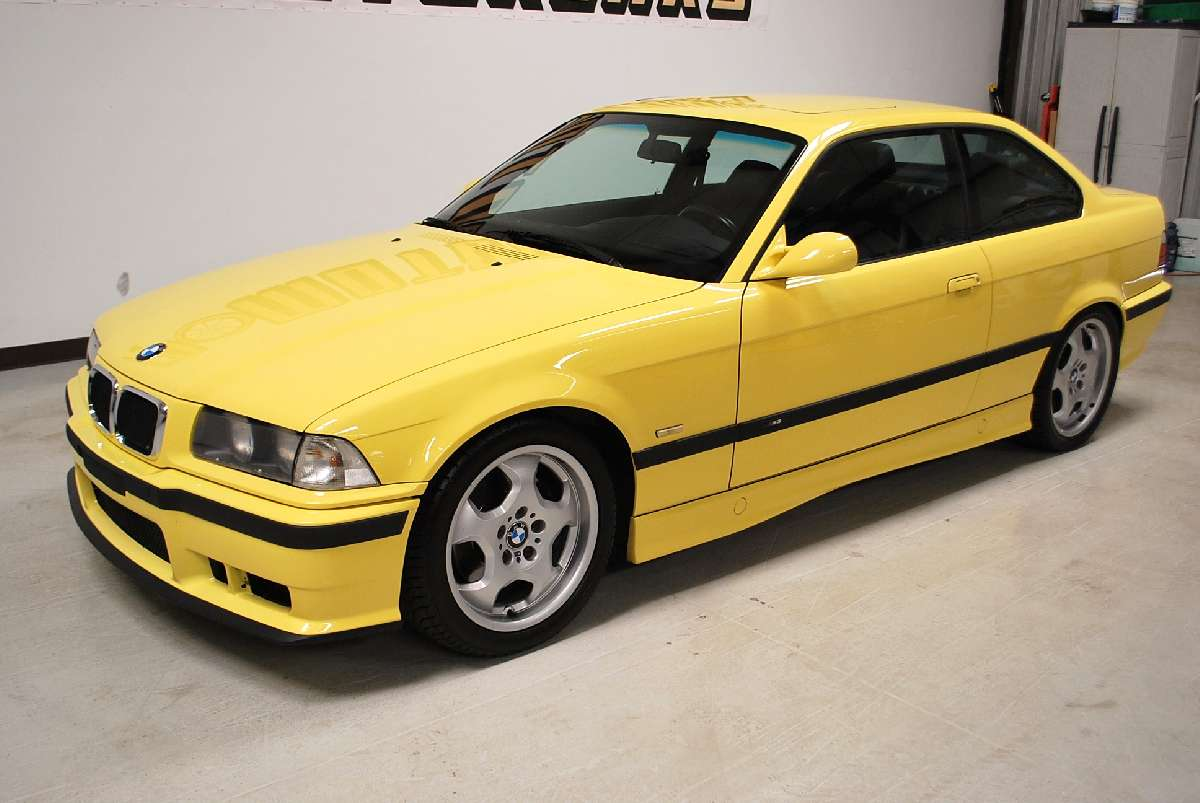 Cc Capsule 1995 Volvo 850 T 5r A Rare Yellow Bird With