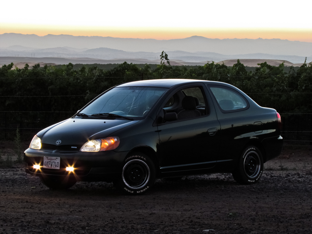 CC Capsule: Toyota Echo – The Yaris Gets Hit With The Ugly Stick