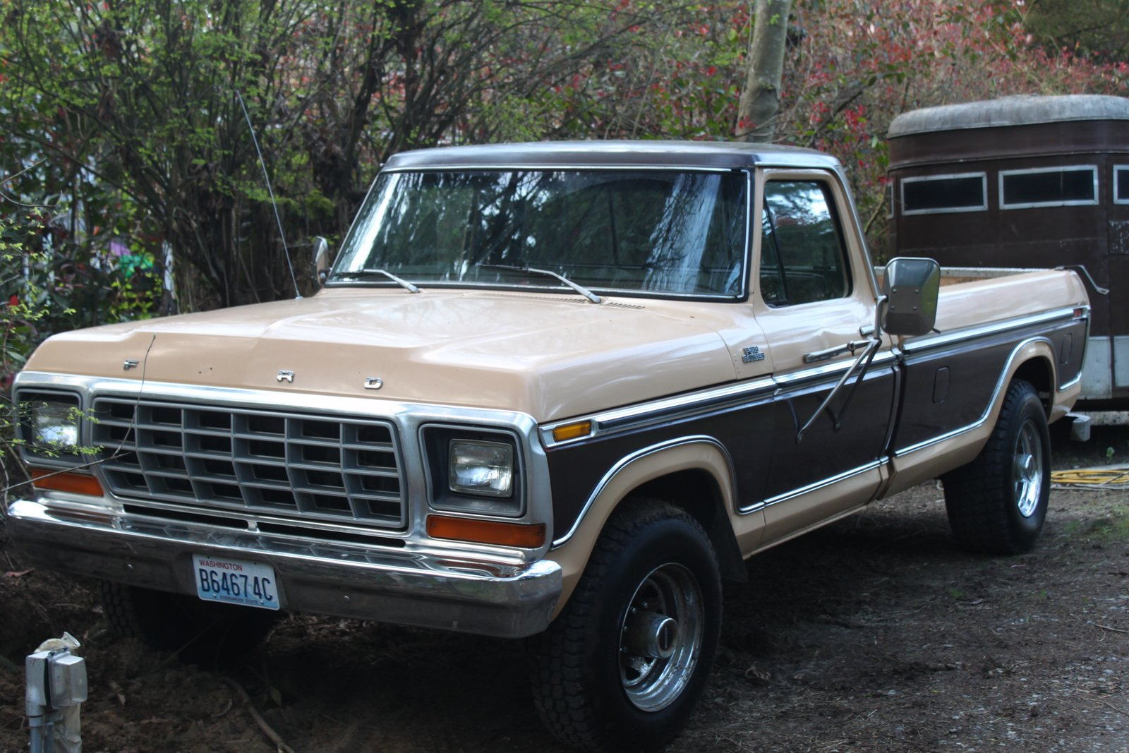 Curbside Classic: 1973 Ford F-350 Super Camper Special – Ford Goes ...