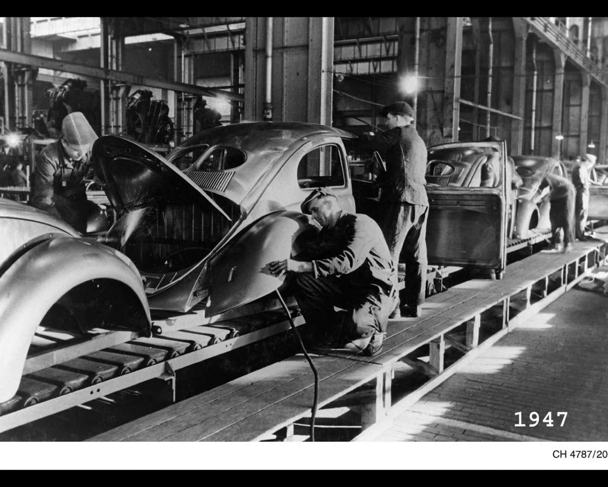 VW 1947 Beetle production Wolfsburg copy