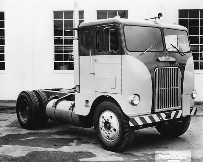 Freightliner-1950-.jpg