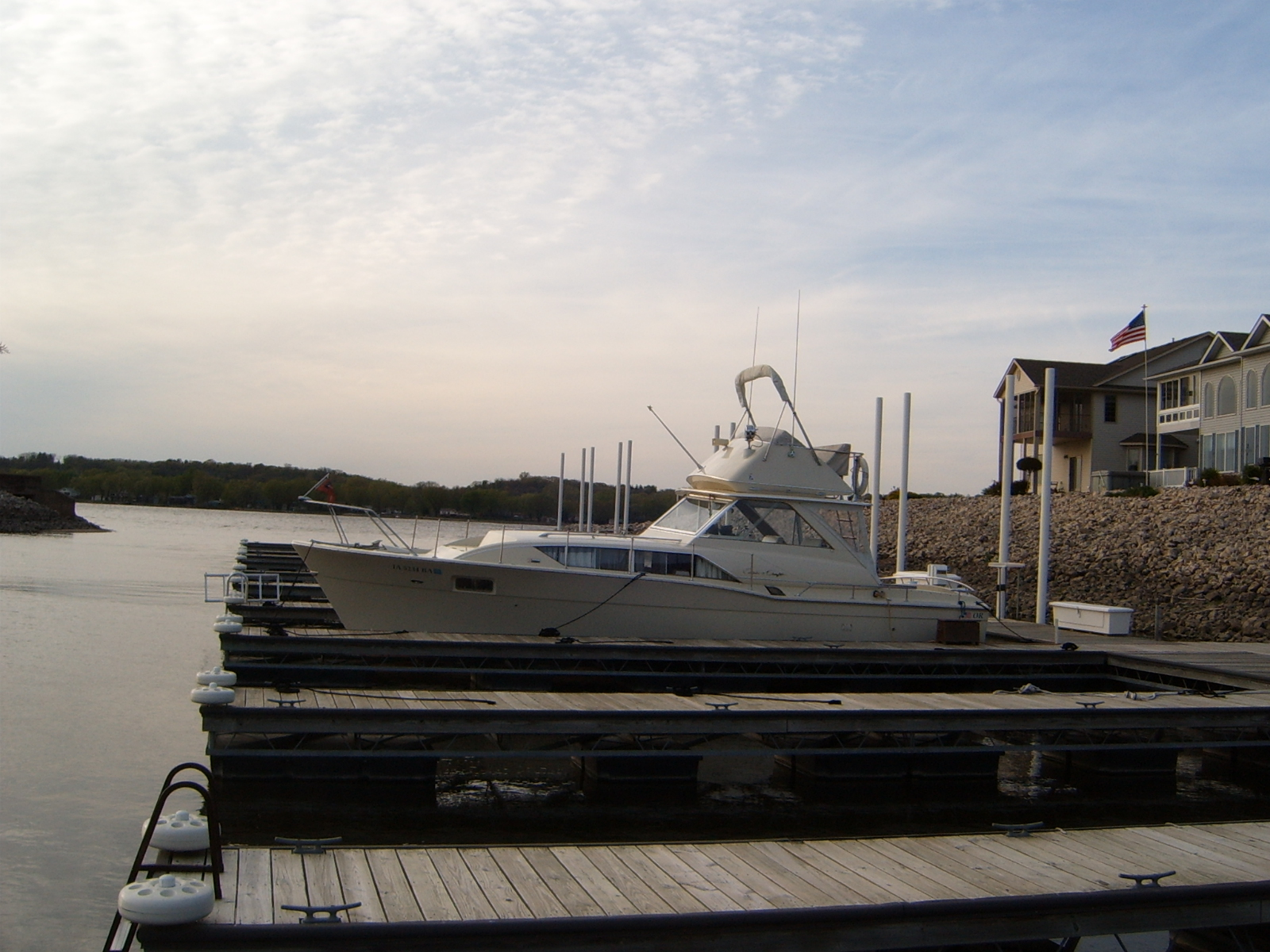 Dockside classic 1968 chris craft 35 commander dream boat for Classic chris craft boats