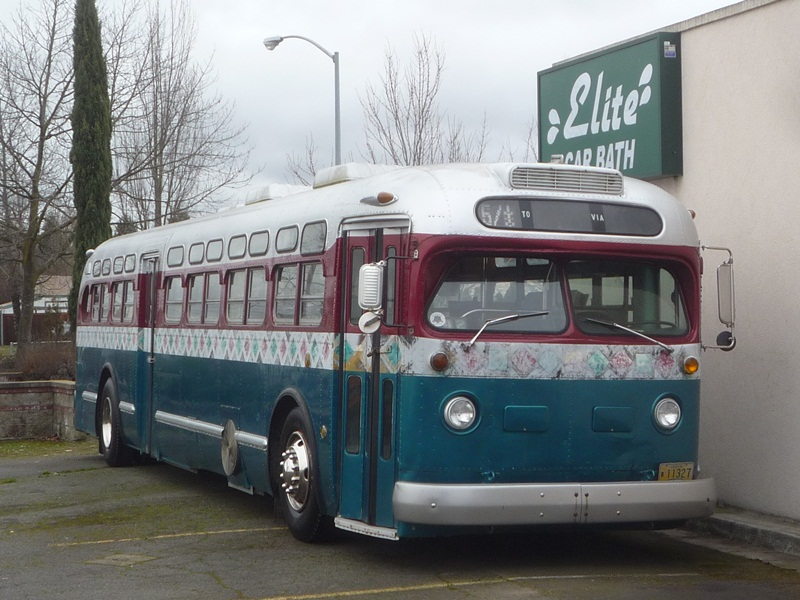 Curbside Classic: GMC TDH-5105 Old Look Transit Bus – GM's
