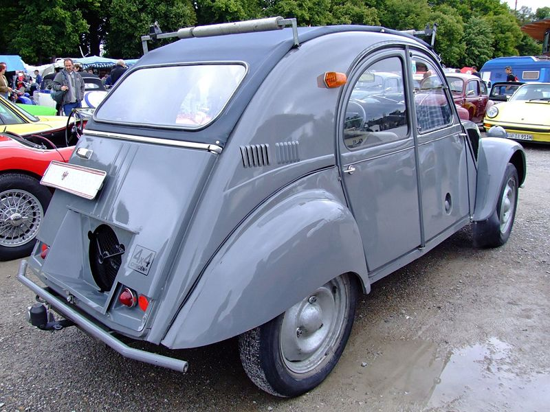curbside classic 1969 citroen 2cv the most original car ever. Black Bedroom Furniture Sets. Home Design Ideas
