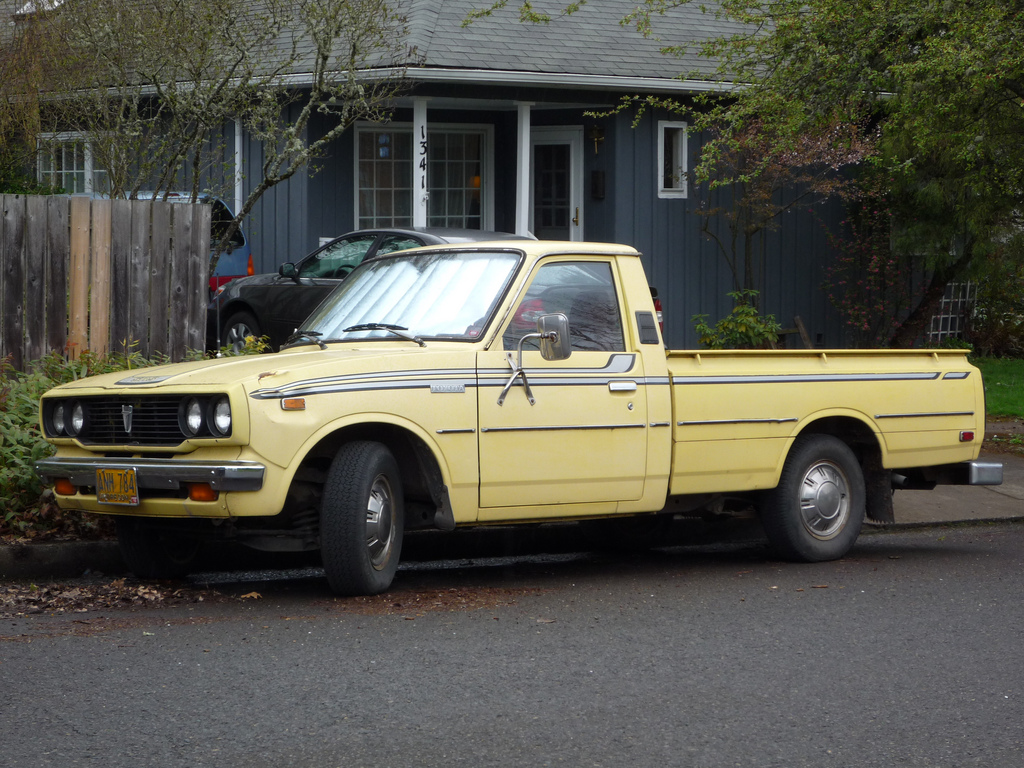 curbside classic 1982 toyota truck when compact pickups. Black Bedroom Furniture Sets. Home Design Ideas