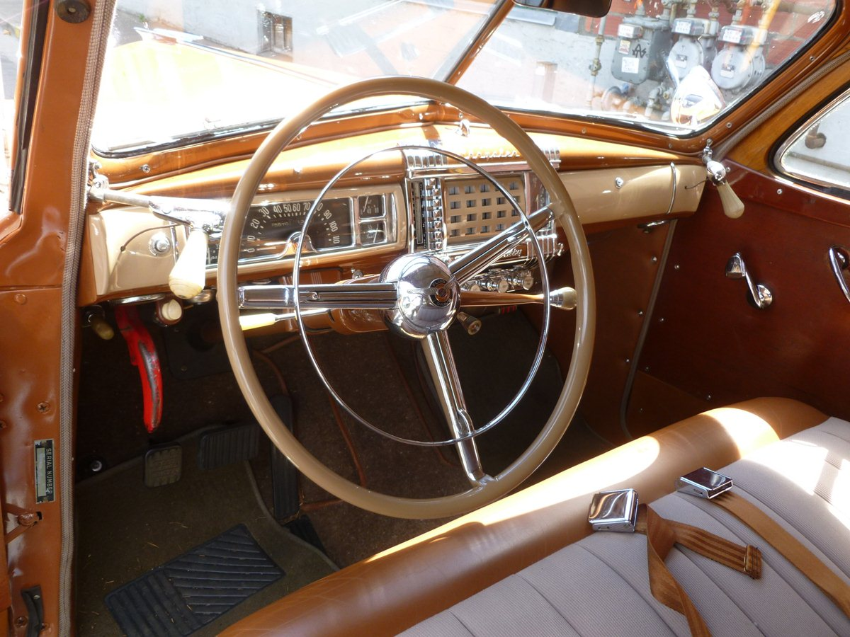 curbside classic 1946 chrysler town and country sedan a slave to fashion and varnish. Black Bedroom Furniture Sets. Home Design Ideas