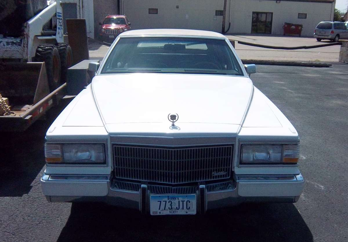 Curbside classic 1992 cadillac brougham the only way to for Classic house 1992