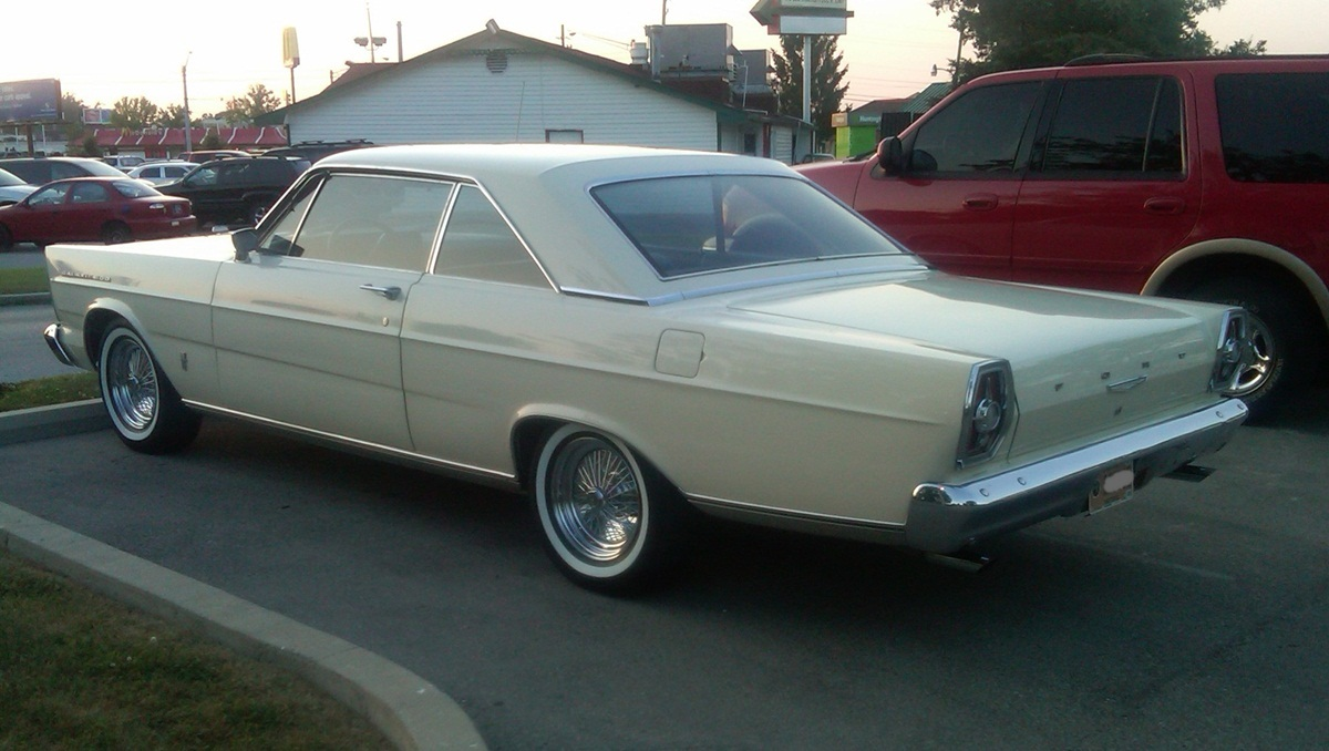 curbside classic 1965 ford galaxie 500 a new ford fit for. Cars Review. Best American Auto & Cars Review