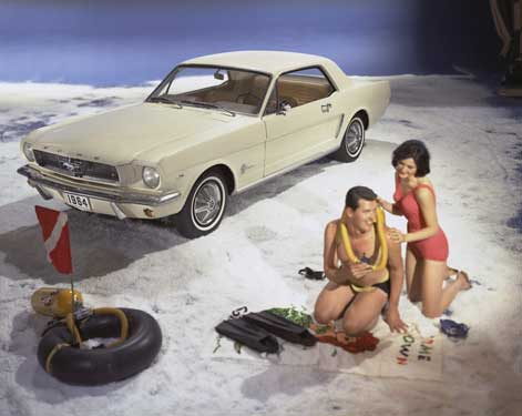 1964-ford-mustang-at-beach