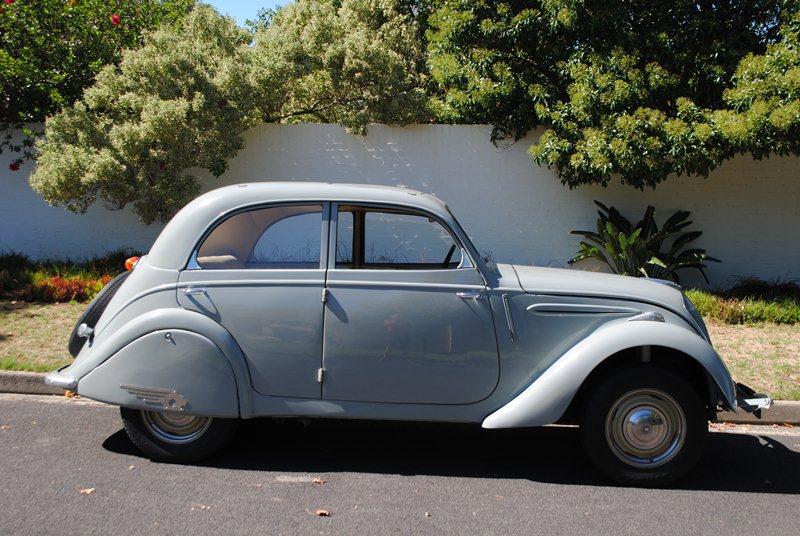 Peugeot 202 Latie R 800