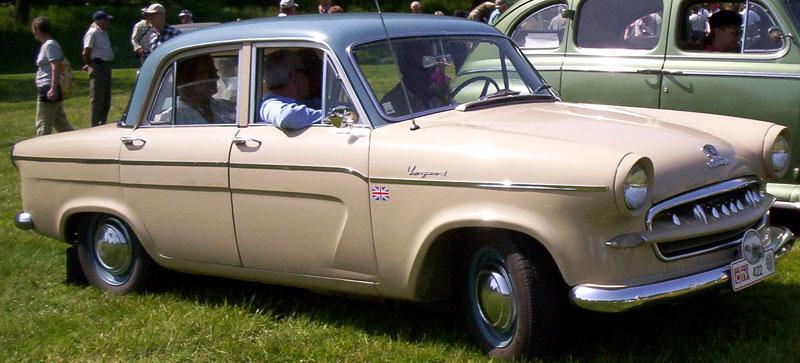 Standard _Vanguard_4-Door_Saloon_1958