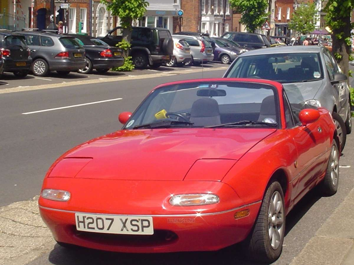 curbside classic 1990 mazda mx 5 miata nothing. Black Bedroom Furniture Sets. Home Design Ideas