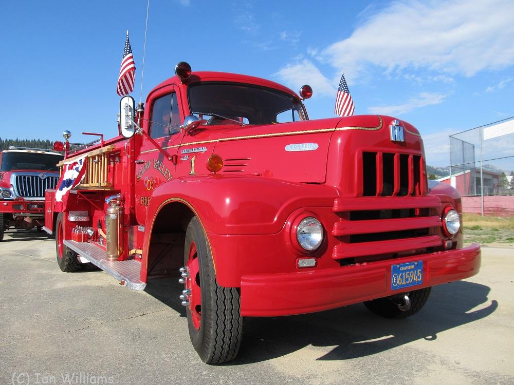 Squaw Valley Fire Intl R185 Van Pelt Pumper