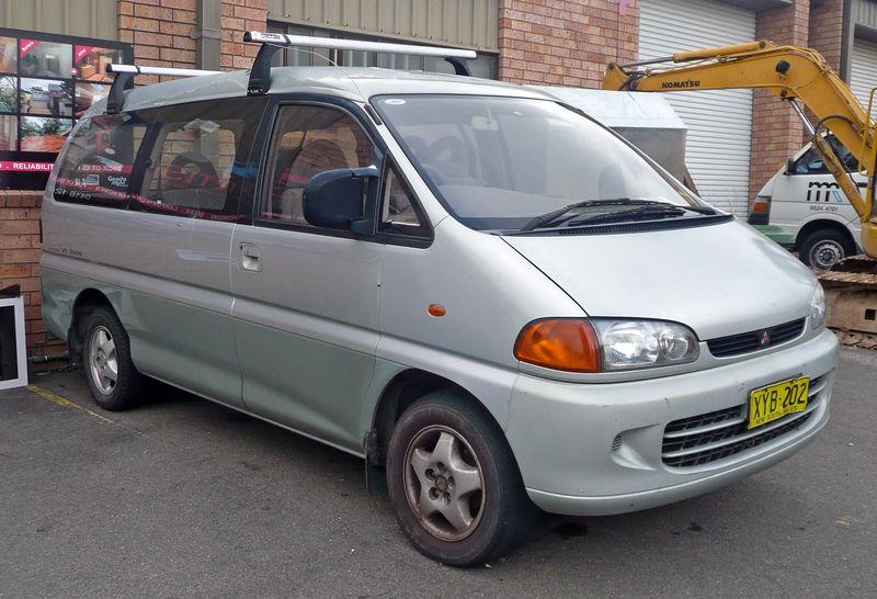 800px-1994-1996_Mitsubishi_Starwagon_(WA)_GLS_van_01