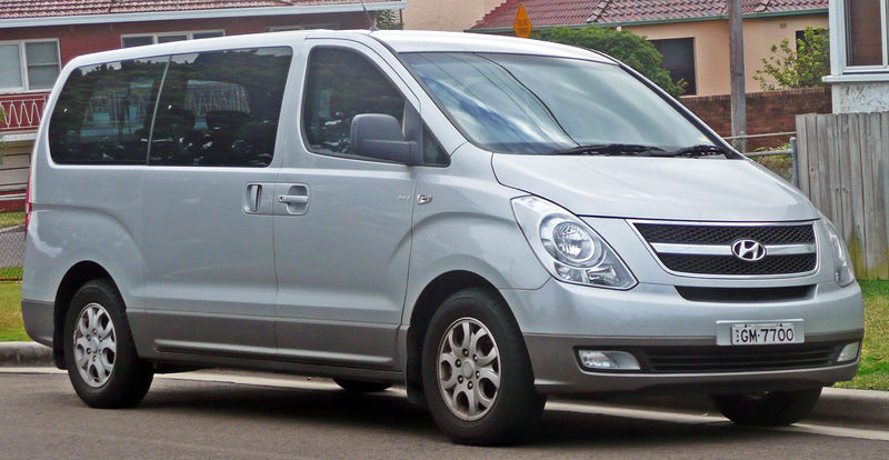 800px-2008-2010_Hyundai_iMax_(TQ-W)_van_01