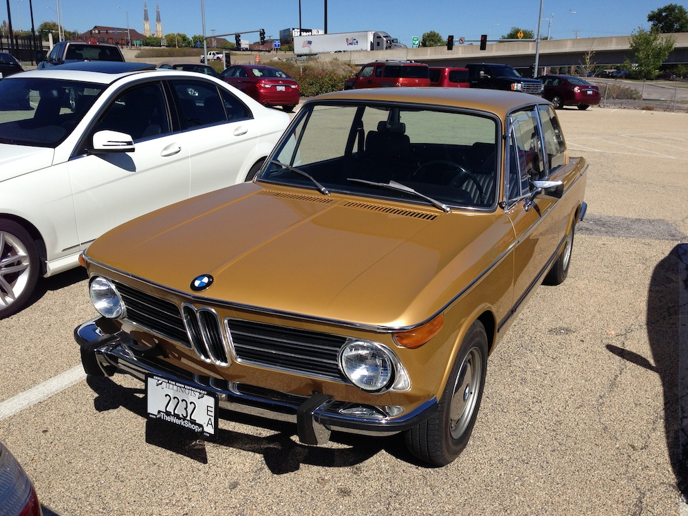 curbside outtake 1971 73 bmw 2002 tii these happy golden years. Black Bedroom Furniture Sets. Home Design Ideas
