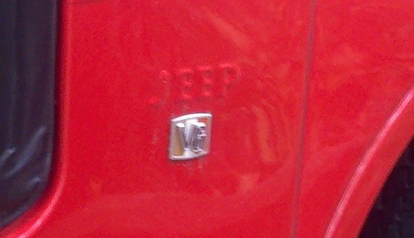 5 V6 badge