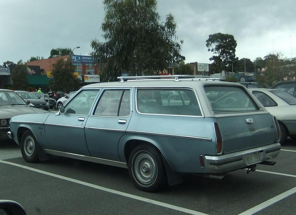 Holden-1979-Monaro-Kingswood.jpg