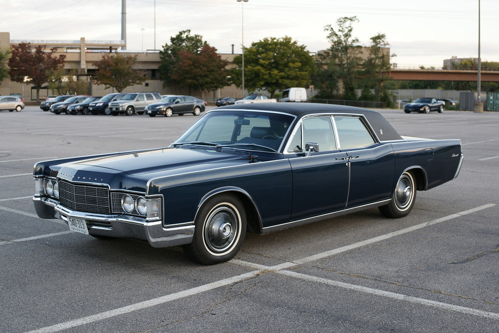 cohort sighting 1969 lincoln continental the end of. Black Bedroom Furniture Sets. Home Design Ideas