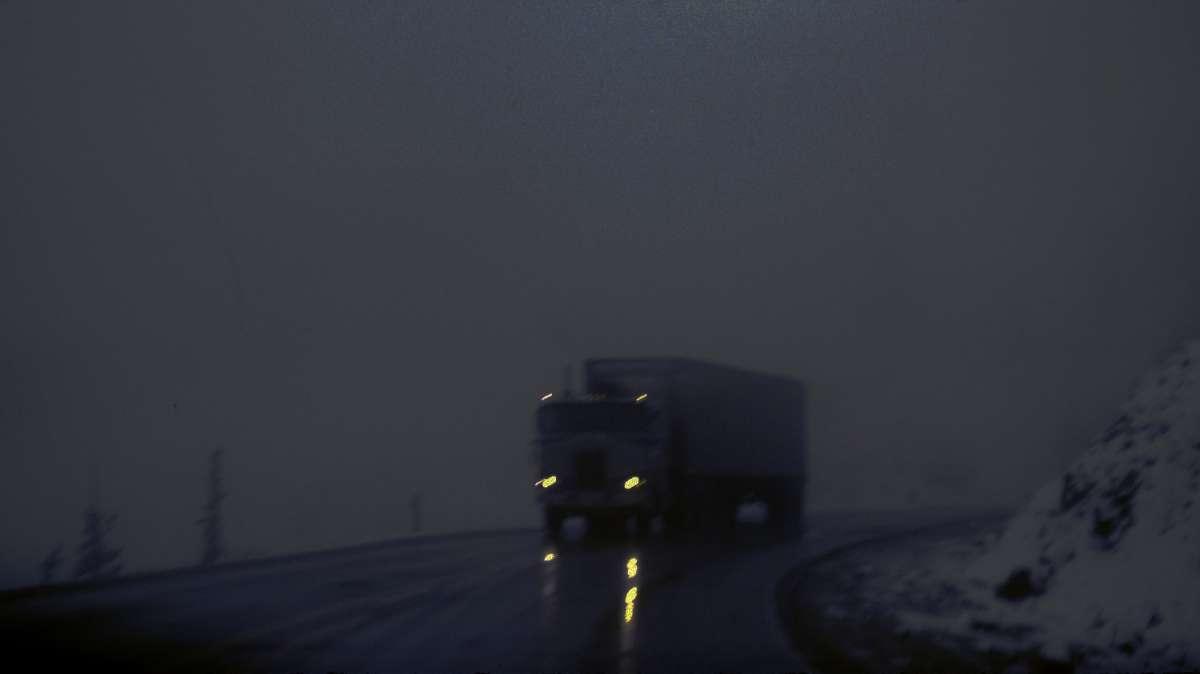 truck in mist lr