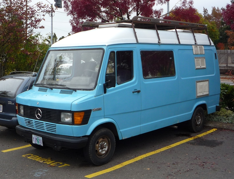 Curbside classic mercedes benz 207d t1 and other for Mercedes benz camper vans for sale
