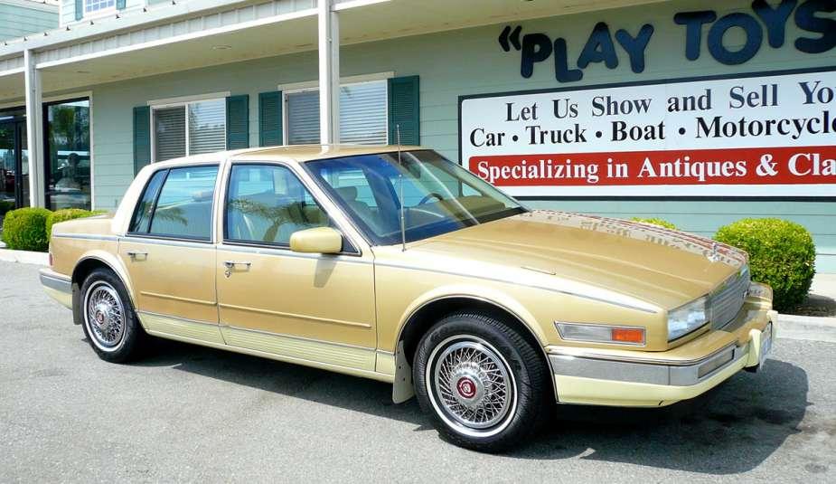 Cadillac 1986 seville 2