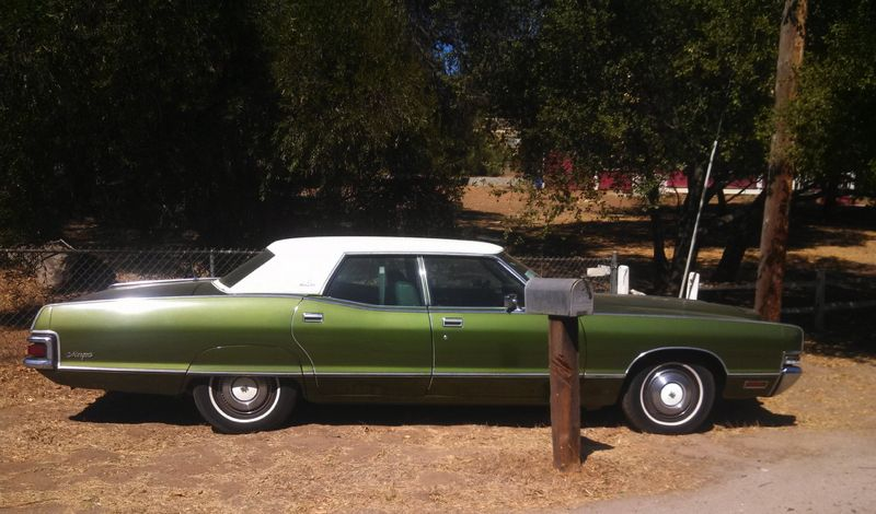 Mercury 1972 Marquis side
