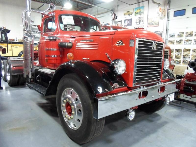 Antique Semi Trucks For Sale Antique Semi Trucks For Sale  : 1951 International LFD 405 1 from vacances-mediterranee.info size 800 x 600 jpeg 151kB