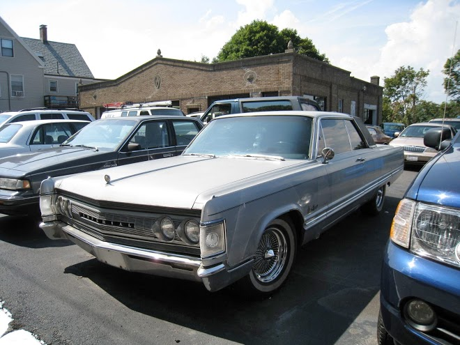 Imperial Crown Coupe 1967 front