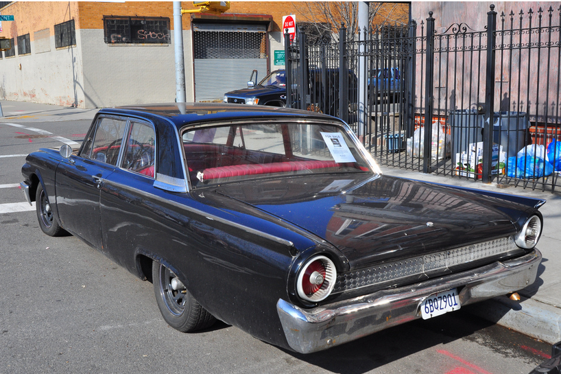 Ford 1961 sedan blk r