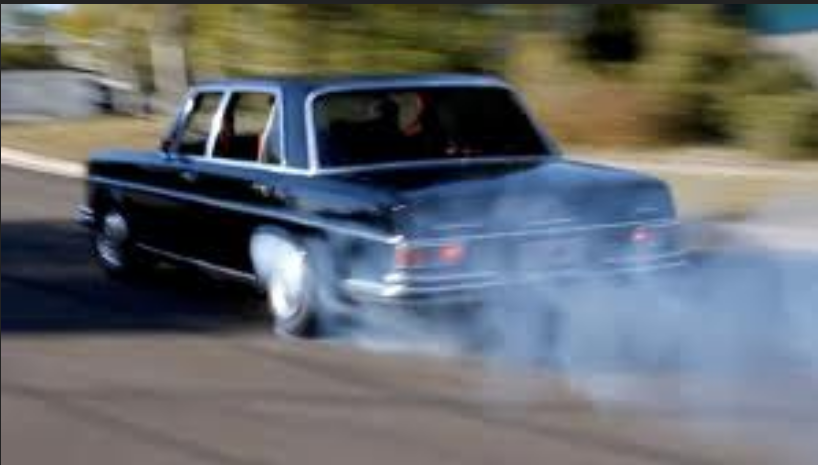 Mercedes 300SEL 6.3 burnout