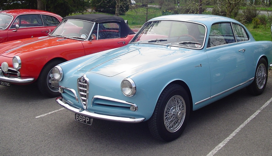 car park classics alfa romeo bonanza at the pub. Black Bedroom Furniture Sets. Home Design Ideas