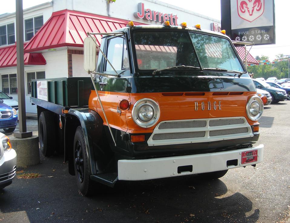 Dodge L600 7000 f