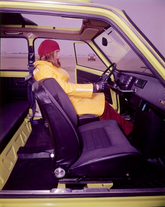 Renault 5 int-11