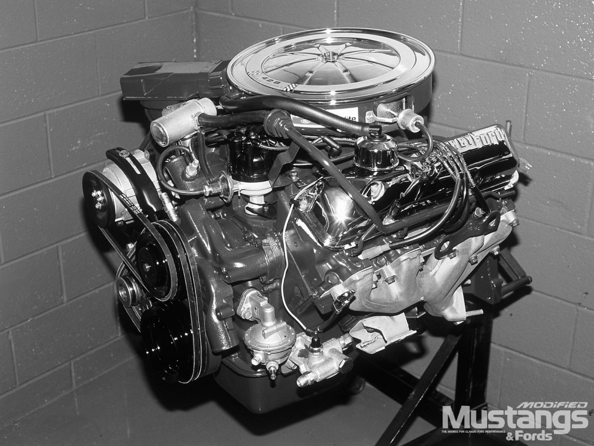 mufp_0108_16_+carroll_shelbys_mustangs+_cobra_jet_428_engine