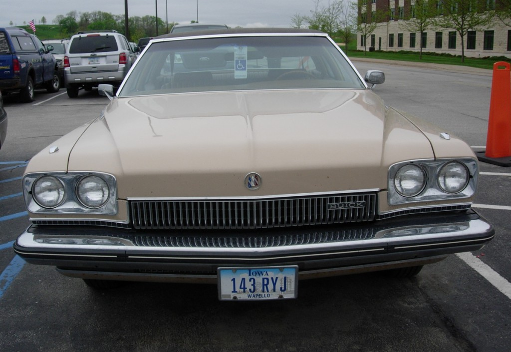 1973BuickLeSabre02