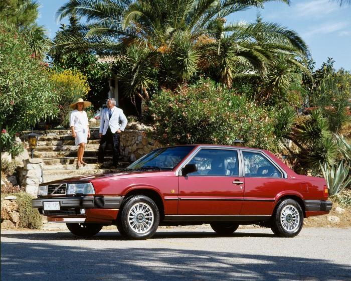 780 red Volvo Cars North America