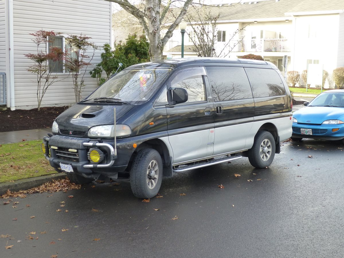 CC Capsule: Mitsubishi Delica Space Gear 4×4 Van