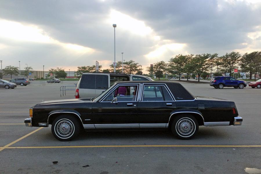 1987 Ford LTD Crown Victoria c