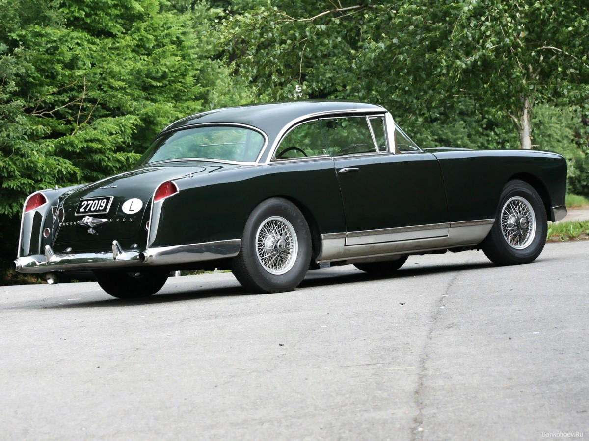 curbside classic facel vega facel ii franco american. Black Bedroom Furniture Sets. Home Design Ideas