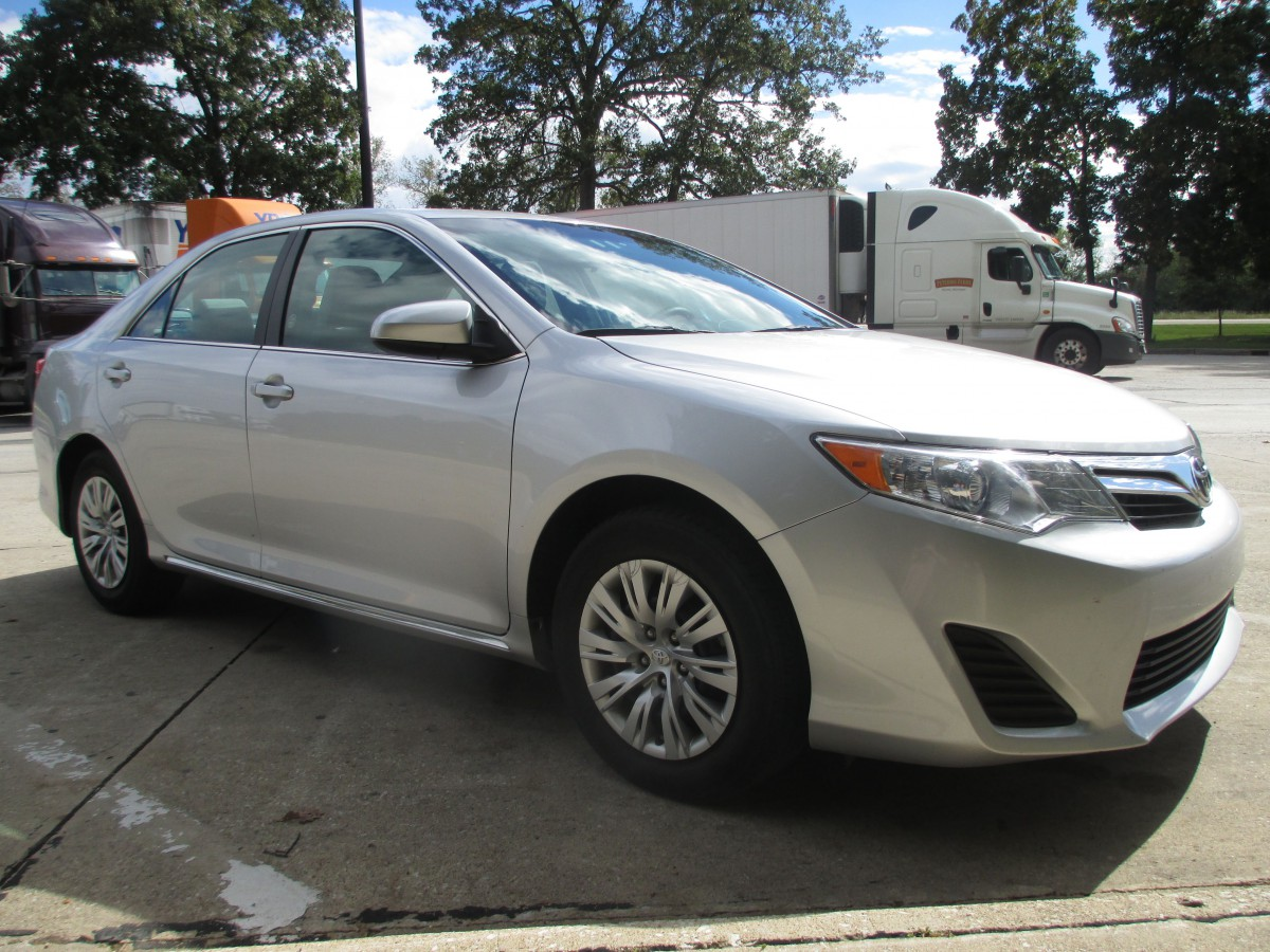 curbside rental service 2013 toyota camry le rebel without a clause. Black Bedroom Furniture Sets. Home Design Ideas