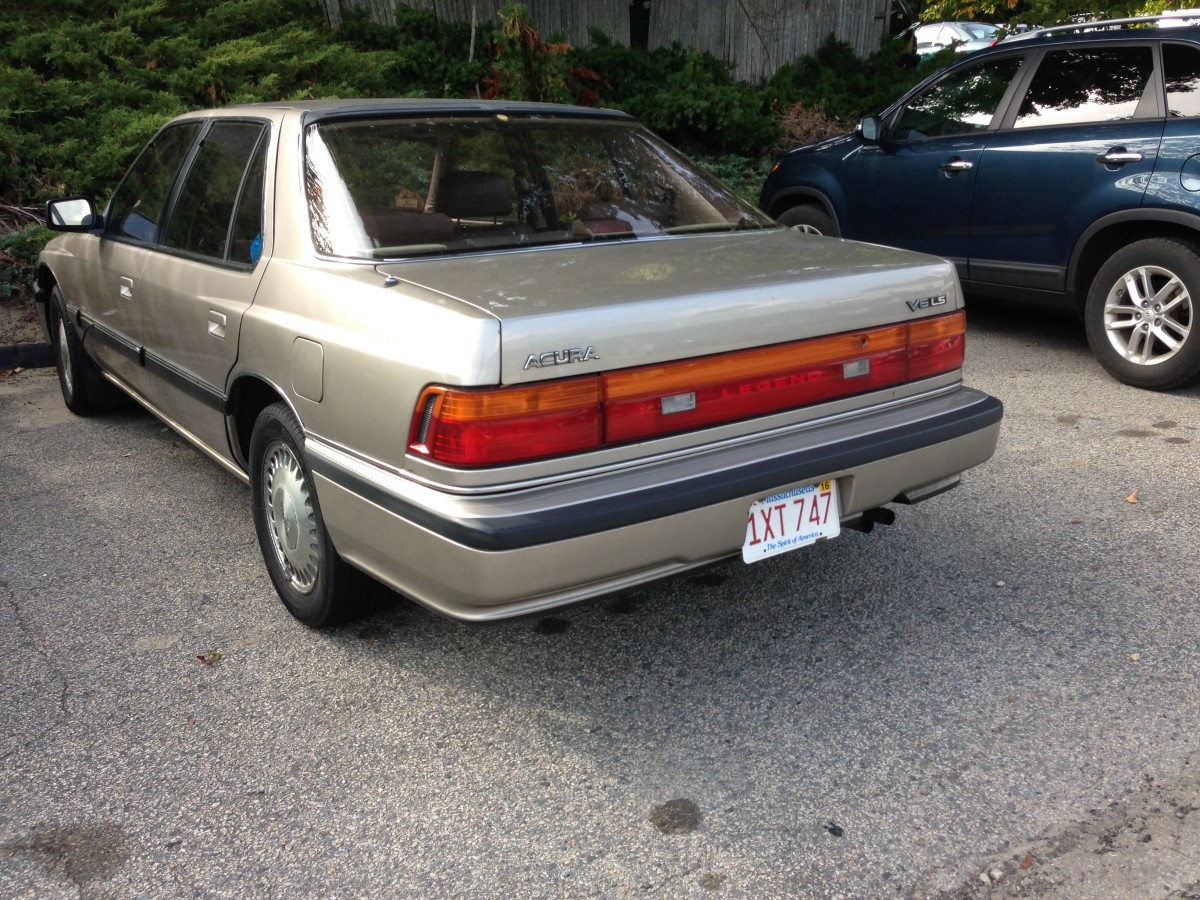 curbside classic 1989 acura legend ls sedan the empire strikes back. Black Bedroom Furniture Sets. Home Design Ideas